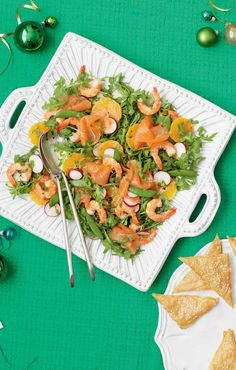 Smoked salmon & king prawn salad with clementines