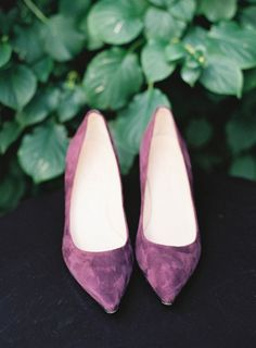 Obsessed with these lavender pumps | O'Malley Photographers
