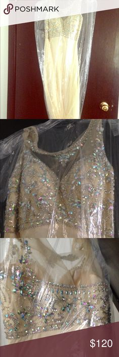 Pale yellow prom dress Only weared it once for prom & got a black stain on it on the back Dresses Prom