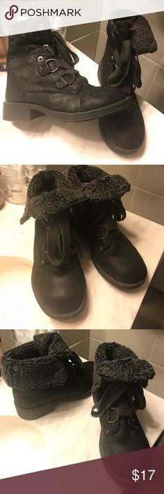 Roxy Cambridge black combat boot with shearling Great condition! They are a size 6 but run small they'd fit better on a size 5.5-6. Super cute!! Fold down or leave up. Roxy Shoes Combat & Moto Boots