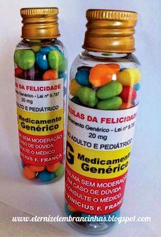 Eternize Lembrancinhas: Pílulas da Felicidade para Formatura de Medicina! Doctor Party, Nurse Party, Party Decoration, Ideas Para Fiestas, Halloween Food For Party, Friends Day, Diy Organization, Pills, Boyfriend Gift Ideas