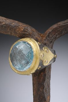 Ancient Style 18K Gold and Oxidized Silver Faceted Aquamarine Ring Hughes-Bosca Jewelry | Rings