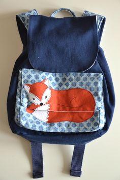 Rucksack mit Fuchsapplikation - unter dem Deckel ist der Fuchs eingeschlafen...