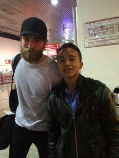 Robert Pattinson desata la locura en Bogotá