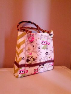 Owl and chevron purse. Snap closure.  Ribbon with owl button.