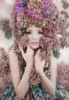 So 60's influenced, but more romantic with the use of hydrangeas.