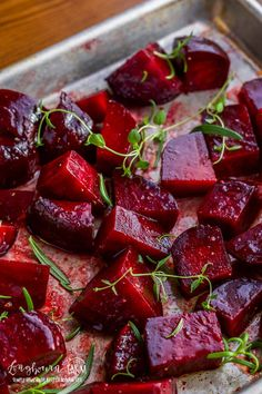 Oven roasted beets are incredibly easy to prepare and the whole family will love them! This simple recipe takes bland to delicious and everyone is a beet lover after they try it! Informations About Oven Roasted Beets with Balsamic Glaze Beetroot Recipes, Beetroot Ideas, Healthy Vegetable Recipes, Vegetarian Recipes, Cooking Recipes, Healthy Foods, Roasting Beets In Oven, Oven Roast, Salads