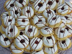 Hungarian Desserts, Cake Recipes, Dessert Recipes, Xmas Cookies, Doughnut, Clean Eating, Food And Drink, Sweets, Baking