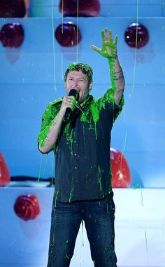 5 Times Blake Shelton Was the Perfect Host at the 2016 Kids' Choice Awards   E! Online Mobile