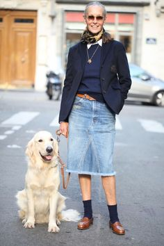 The first woman I admire for her style in 2017 is Linda V Wright. A former model and fashion editor born in Texas who lives in Paris since the She has two beautiful daughters a nephew and owns h Mature Fashion, Fashion Over 50, Looks Chic, Looks Style, Linda V Wright, Socks Outfit, Estilo Jeans, Denim Fashion, Womens Fashion