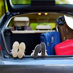 Before boarding the plane or departing on a road trip, learn how to map out your expenses so you don't spend beyond your means. Toyota Land Cruiser, Budget Travel, Budgeting, Road Trip, Plane, Acting Tips, Map, Road Trips
