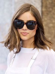 Olivia Culpo looks chic with a lob and sunnies #Sunglasses