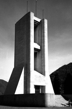 WW1 memorial / Build in 1933 after drawings by Antonio Sant'Elia a futuristic Italien Architect
