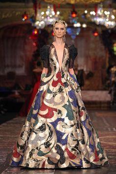 """80 Foto Koleksi Couture Sebastian Gunawan """"La Divina Marchesa"""" Sebastian Gunawan, Marchesa, Runway, Asian, Formal Dresses, Haute Couture, Cat Walk, Dresses For Formal, Walkway"""