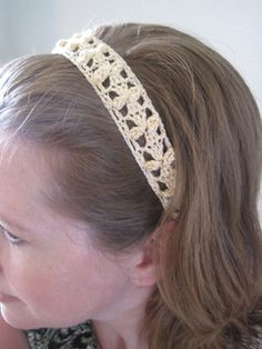 Small flowers lace headband Free Pattern