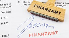Fünf Tipps für die Steuererklärung: So zahlt das Finanzamt Ihr Geld schneller zurück http://www.focus.de/finanzen/steuern/fuenf-tipps-fuer-die-steuererklaerung-so-zahlt-das-finanzamt-ihr-geld-schneller-zurueck_id_3750351.html