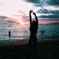 ideas para tomarse fotos en la playa pose