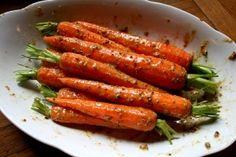 Pečená kořeněná mrkev Asparagus, Carrots, Vegetables, Food, Meal, Essen, Carrot, Vegetable Recipes, Hoods