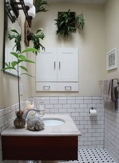 Indoor plants for windowless bathroom air in add house to home decor improve quality bathr . indoor plants for windowless bathroom Interior Modern, Interior Exterior, Modern Decor, Interior Ideas, Interior Design, Bathroom Towel Decor, Bathroom Plants, Bathroom Ideas, Bathroom Green