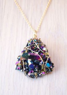 I have a necklace that is kind of like this already...but you can't have too much of a good thing!