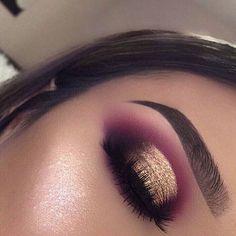 Maquiagem makeup eyeshadow makeup, eye makeup e makeup Makeup Eye Looks, Purple Eye Makeup, Skin Makeup, Eyeshadow Makeup, Eyeshadows, Eyeshadow Palette, Pink Eyeshadow, Red Makeup, Drugstore Makeup