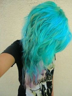 Paramore shirt; turquise scene hair; scene girl