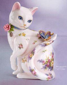 Floral Cat Figurine w Butterfly on Tail. China Painting, Vintage Ceramic, Vintage Cat, Fenton Glassware, Cat Statue, Glass Figurines, Maneki Neko, Glass Animals, Hand Painted