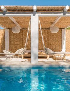 🌟Tante S!fr@ loves this📌🌟The Spanish white coastal home of interior designer Carlos Serra Outdoor Seating, Outdoor Spaces, Outdoor Living, Outdoor Decor, Riad Essaouira, Exterior Design, Interior And Exterior, Javea Spain, Spanish Villas