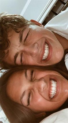 Weird Things Romantic Couples Do Teen Couple Pictures, Bff Pictures, Teen Couples, Romantic Couples, Goofy Couples, Cute Relationship Goals, Cute Relationships, Football Relationship, Boyfriend Goals