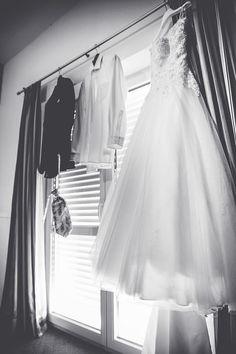 daniela-matejschek Beautiful Moments, Professional Photographer, One Shoulder Wedding Dress, Wedding Dresses, Fashion, Bridal Dresses, Moda, Bridal Gowns, Wedding Gowns