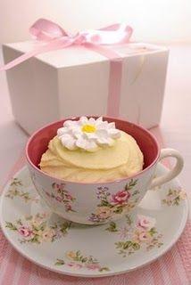 another teacup cupcake!