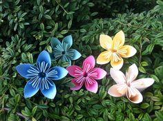 Flores de papel Diy, Plants, Paper Flowers, Bricolage, Do It Yourself, Plant, Homemade, Diys, Planets