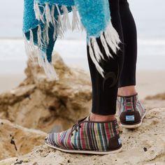 Winter Surf + TOMS Striped Botas