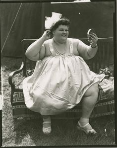 Photography Women, Vintage Photography, Digital Photography, Portrait Photography, Human Oddities, Circus Performers, Vintage Circus, Fat Women, Still Image