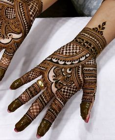 Mehndi is one of the most important. It is a loved one and never gets old designs. There is a lot of verity of latest mehndi designs for you. Henna Hand Designs, Dulhan Mehndi Designs, Mehndi Designs Finger, Henna Tattoo Designs Simple, Mehendi, Latest Bridal Mehndi Designs, Full Hand Mehndi Designs, Stylish Mehndi Designs, Mehndi Design Photos