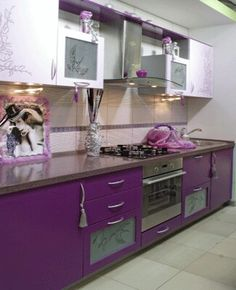 Modern Kitchen Modern Kitchen tiles - 14 kitchen tiles designs and ideas - Little Piece Of Me - Kitchen is the heart of any home and tiles are inevitable element in every kitchen. Look some tips and 14 kitchen tiles designs and ideas for your inspiration. Modern Kitchen Tiles, Kitchen Tiles Design, Modern Kitchen Design, Tile Design, Modern Kitchens, Design Color, Orange Kitchen Designs, Purple Home Decor, Purple Interior