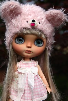 Blythe doll in pink