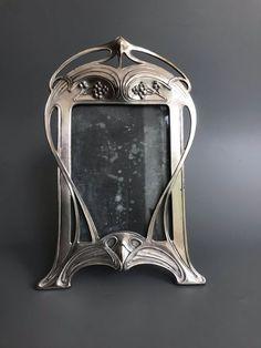 Art Nouveau Pattern, Art Nouveau Design, Art Nouveau Furniture, Furniture Decor, Art Deco, Jugendstil Design, Silver Picture Frames, Zinn, Examples Of Art