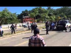 Policías de Oaxaca disuelven manifestación a balazos Enfrentamiento en carril llano ciruelo