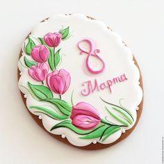 """Купить """"8 Марта"""" пряничная открытка - бледно-розовый, зеленый, пряники, тюльпаны, пряничная открытка"""