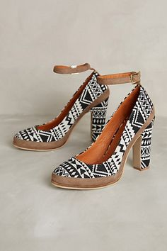 Viedma Heels #anthropologie graphic and neutral at the same time!