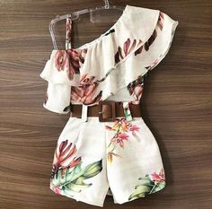 {Customary and tailored made baby robe, gives the best solution. Kids Dress Wear, Dresses Kids Girl, Cute Girl Outfits, Cute Casual Outfits, Cute Summer Outfits, Pretty Outfits, Pretty Dresses, Stylish Outfits, Girls Fashion Clothes