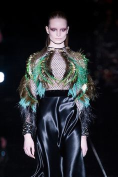 FEATHER FASHIONS - GUCCI Image: IMAXtree