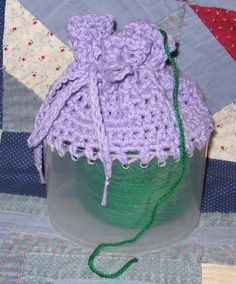 how to crochet a yarn holder