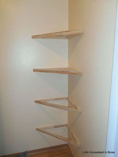 35 Wall Shelves Design Ideas - Wall Shelving Ideas - Wall Shelving - Designer Or Budget? - Interior Design Ideas - Shelves in Bedroom Diy Corner Shelf, Floating Corner Shelves, Corner Wall Shelves, Shelves In Bedroom, Wall Shelves Design, Wall Shelving, Shelving Ideas, Bookshelf Design, Corner Shelf Design