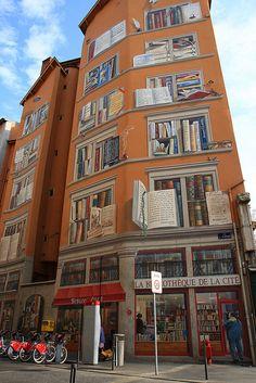 La bibliothèque de la cité - Lyon street art