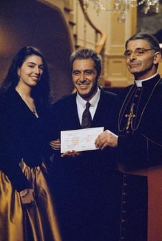 The Godfather: Part III Sofia Coppola as Mary Corleone, Al Pacino as Michael Corleone and Donal Donnelly as Archbishop Gilday. The Godfather Part Iii, Godfather Movie, Corleone Family, Don Corleone, Mafia Gangster, Gangster Movies, Al Pacino, Photo Star, Picture Photo
