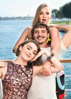 Sophie Turner, Pedro Pascal and Maisie Williams - Game of Thrones Khal Drogo, George Rr Martin, Winter Is Here, Winter Is Coming, Game Of Thrones Besetzung, Jon Snow, Serie Got, Game Of Trone, Pedro Pascal
