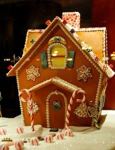 Great roundup of gingerbread house ideas
