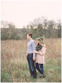 I love this bride and grooms style for their engagement session, her floppy hat and tunic top with a scarf look perfect for Fall!